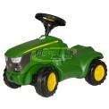 Igračka traktor John Deere za djecu od 18 mjeseci do 48 mjeseci.  Proizvođač: Rolly Toys  Dimenzije: 610x300x410 mm  Težina: 4,2 kg  Upute za sastavljanje